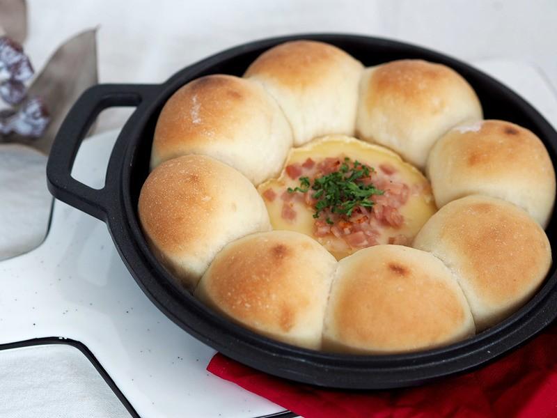 チーズ好きさんにはたまらない♪ クリスマスちぎりパンの画像