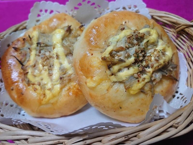 ピリ辛ツナごぼうパンの画像