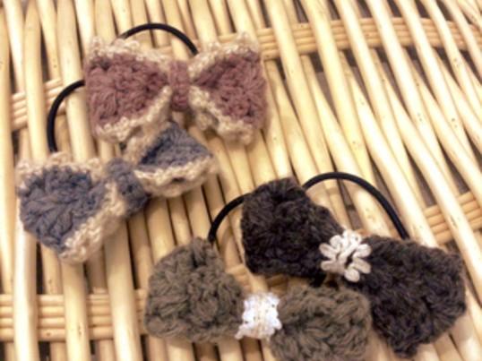 *かぎ針で作る*  毛糸リボンの ヘアアクセサリーの画像