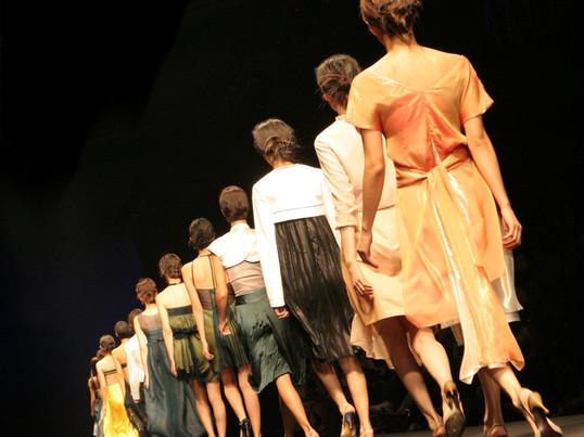 個性を生かしたファッションコーデを考える(女性編)の画像