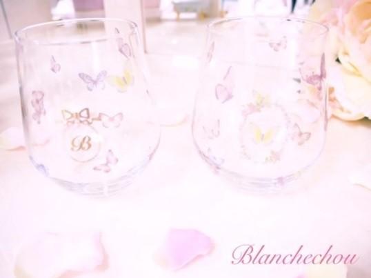 夏期限定バタフライ舞うガラスのコップの画像