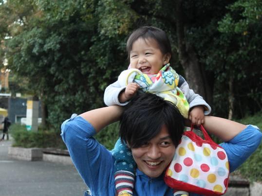 笑顔で子育てをするためのヒントの画像