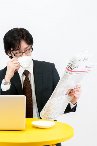経済・社会を学ぶキッカケを作る、日経新聞勉強会