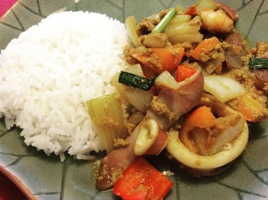 簡単ハーバルクッキング:タイ料理②(海鮮のカレー卵とじ他)の画像