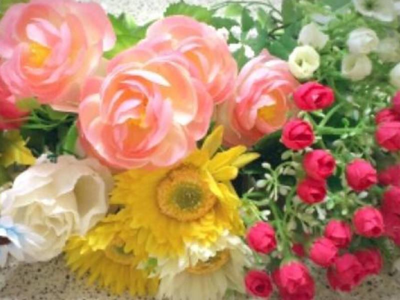 造花で小さなブローチ作り☆の画像