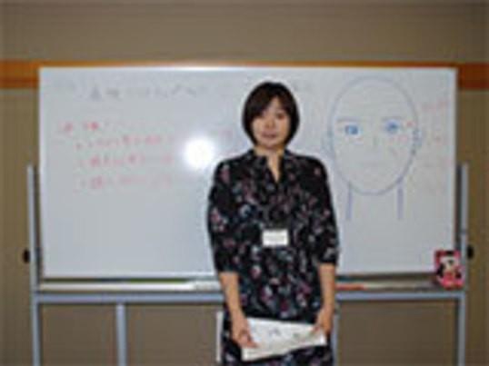 自分でできる炭酸を使った小顔リンパマッサージの画像