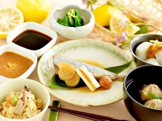 初心者でも安心!魚の手開きと和食の基本が学べるお料理教室の画像