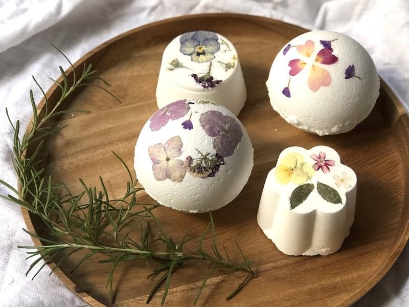 花咲くしゅわしゅわボタニカルアロマバスボムとハーバルバスソルト作りの画像