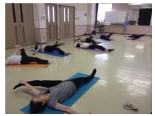 【少人数オンライン】床に座って行うバレエピラティスストレッチの画像