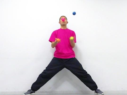 一芸を身に付けよう!頭も使うボールジャグリング講座の画像