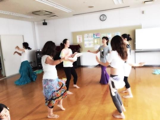 初心者・子連れ歓迎!一緒に楽しむフェミニンダンス&ベリーダンスの画像