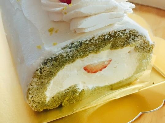 米粉と抹茶の和三盆ロールケーキの画像