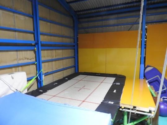 サークル風アクロバット・トランポリン運動教室の画像