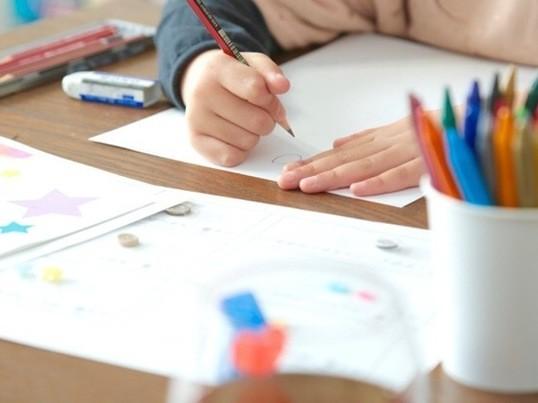 未来へのプレゼント☆子供のためのウェディングドレスデザイナー体験!の画像