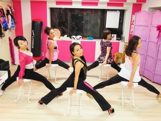 ダンス初心者でも踊れるバーレスク♪の画像