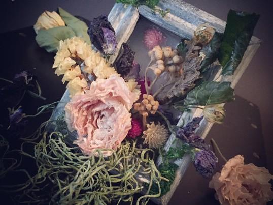 お花と香りいっぱい!シャビーシックフレームキャンドルの画像
