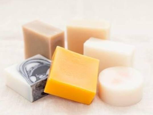 ワンちゃんと一緒に、皮膚・被毛に優しい「天然石鹸」を作ろう🎶の画像