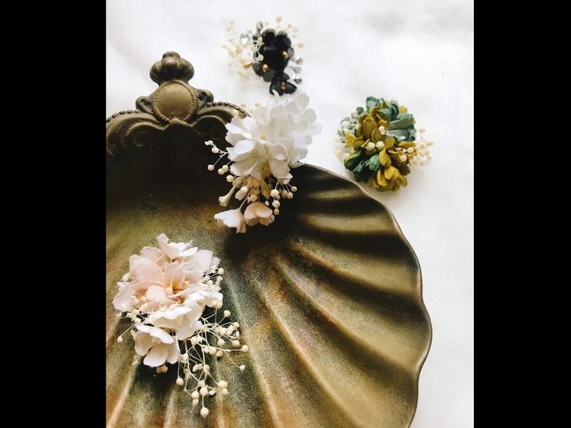 《布花》ドライフラワーを楽しむ♪かすみ草の耳飾りの画像
