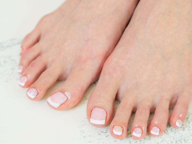 1年中魅せる足へ👣簡単綺麗にセルフフットネイルレッスン‼️の画像