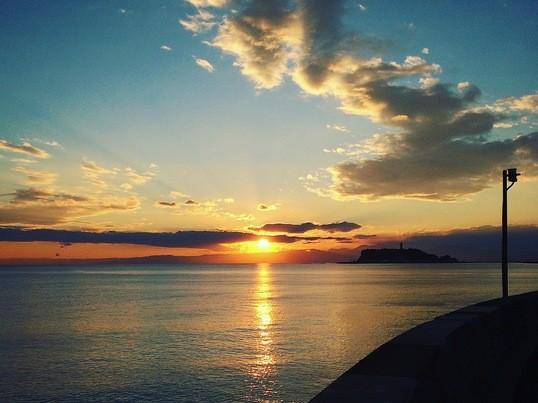 《湘南の夕日が撮れる!?》黄昏時&夕暮れからのカメラ撮影レッスンの画像