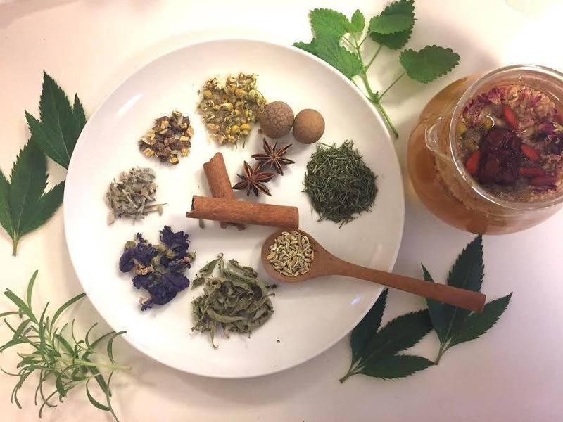 オリエンタルハーブティ オリジナルブレンド茶作りの画像