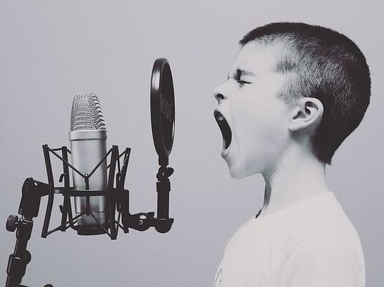 第一印象は声から!腹式呼吸で明るいハリのある声を手に入れよう!の画像