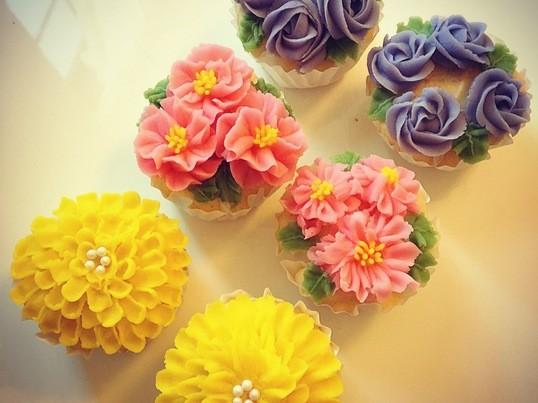 食べられるお花♡あんフラワーケーキレッスンの画像