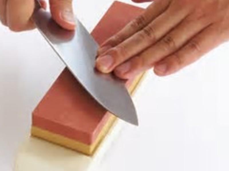 切れにくい包丁を蘇らせたい!包丁研ぎ&トマト切り 初心者向けの画像
