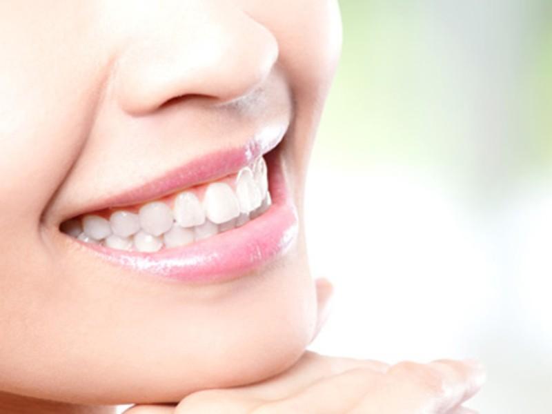最新オーラルケア講座+αホワイトニングで美しく健康的な白い歯をの画像