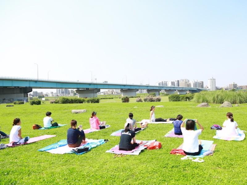 誰でも参加できる!多摩川(二子玉川) de 朝外ヨガの画像