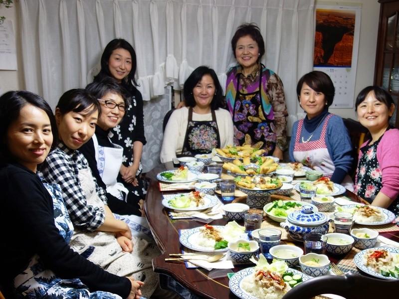 【タイ料理入門】人気のレシピ、カオマンガイと揚げ春巻きを作ろう!の画像