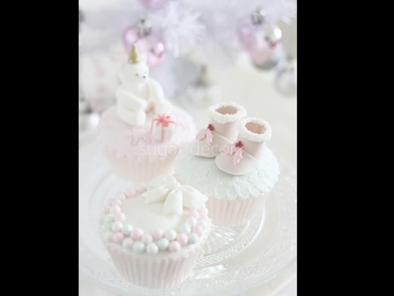 テディべアカップケーキでクリスマスの画像