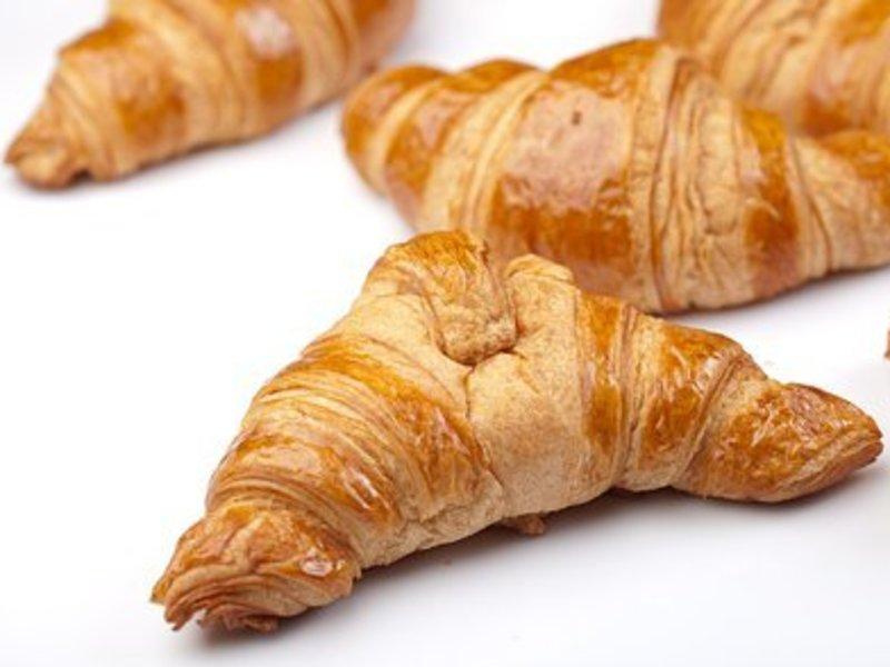 <初心者安心、かなり贅沢なパン作り>クロワッサンを焼く❌食べ比べるの画像