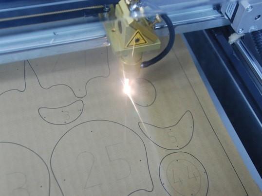 レーザー加工に挑戦 の画像
