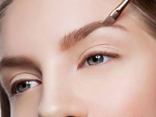 苦手な眉メイクを克服する!少人数制でしっかり学べる眉メイク入門講座の画像