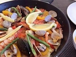 築地仕入れの魚介を使いスペインバル!パエリアとスペイン料理を学ぶ