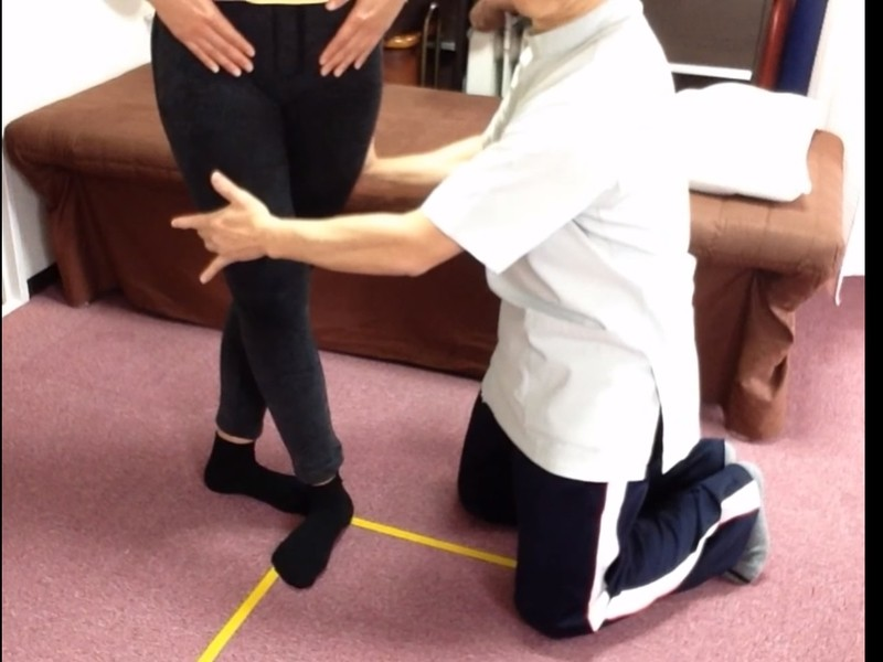 O脚を自分で治す3つの体操。(女性のみ)の画像