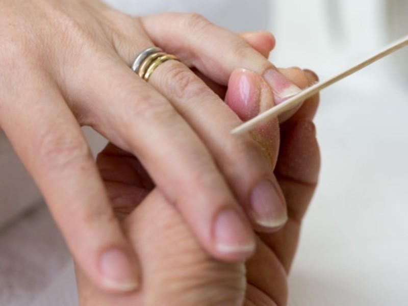 美爪を作るネイルケアのレッスンの画像