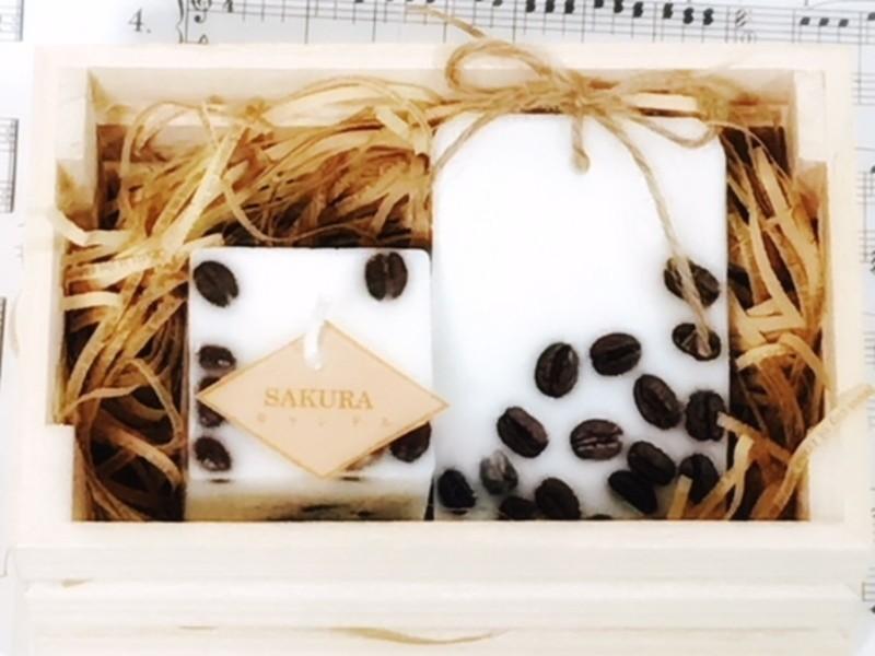 コーヒーキャンドルとサシェのセット~ウッドBOXでラッピングの画像