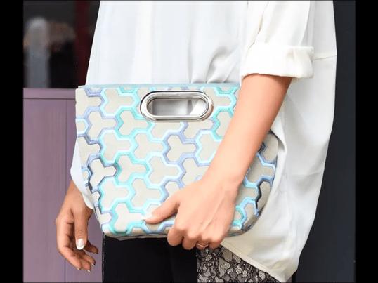 「縫わない貼るだけバッグ〜ハトメの持ち手」の画像