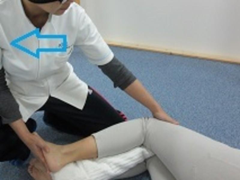 妊婦さんの腰痛に効果的な他動的運動をお教えします。の画像