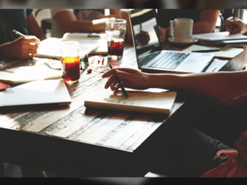 実務経験5年未満のデザイナー向け|AdobeCC技能講座の画像