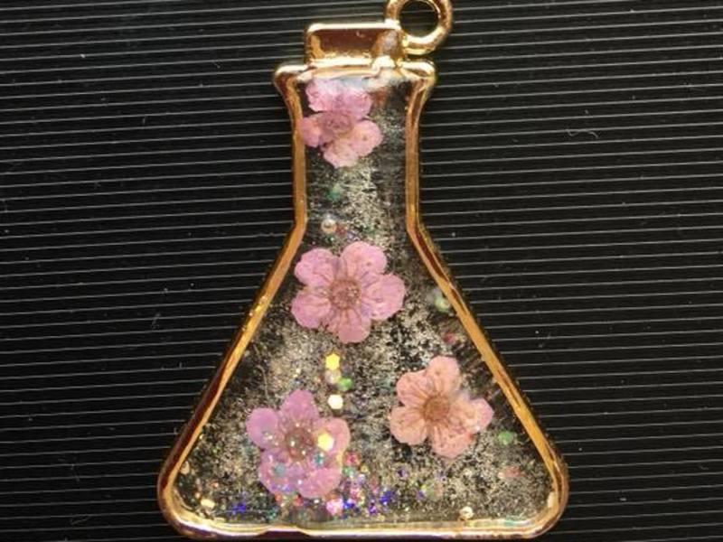 本物のお花で作る UVレジンの画像