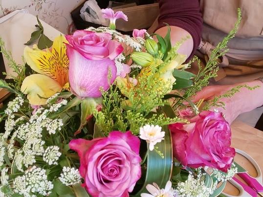 季節の生花を素敵にアレンジメント1dayレッスンの画像