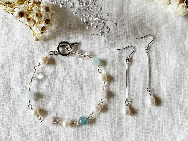 メガネ留めで作る天然石/淡水パールブレスレッド&耳飾りセットアップの画像