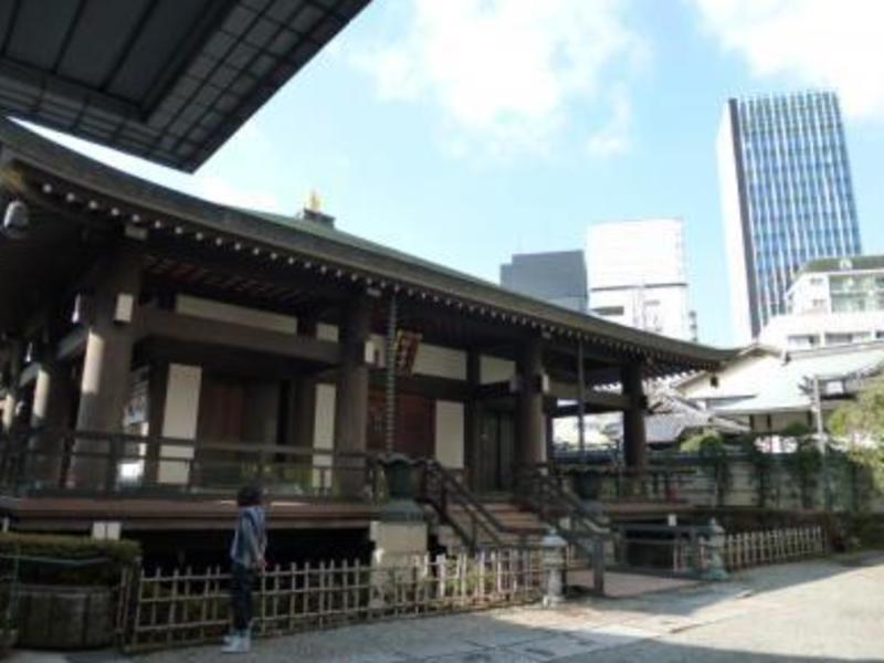 元CAが教える、海外の方も一緒に 六本木のお寺で書道の画像