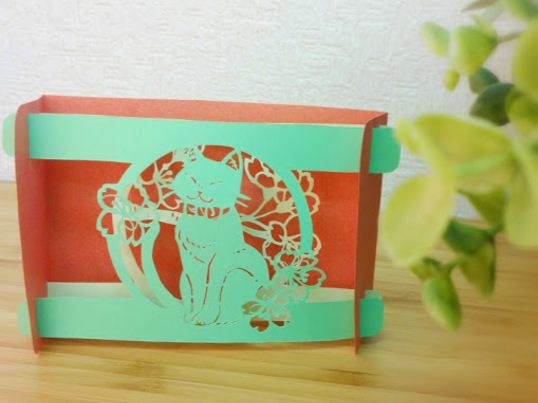 簡単な切り絵で立体カードを作ろうの画像