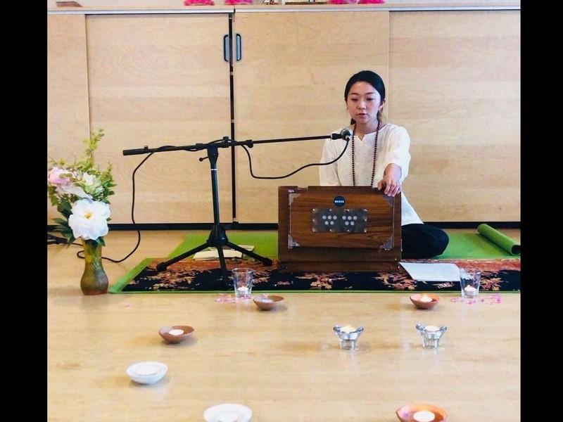 キルタン(歌う瞑想)& 生命力たっぷり野菜ご飯の画像