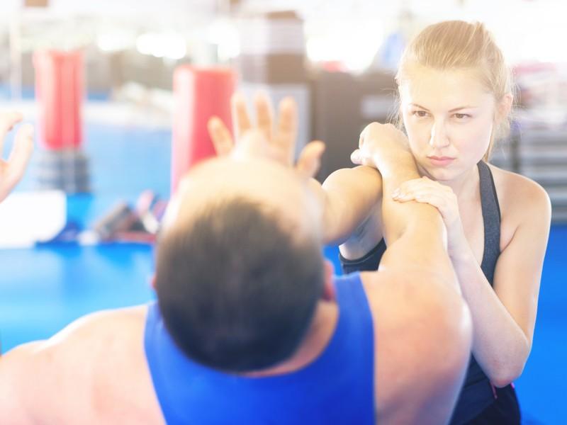 元総合格闘家が教える!女性が身を守る護身術[初回お試し]の画像