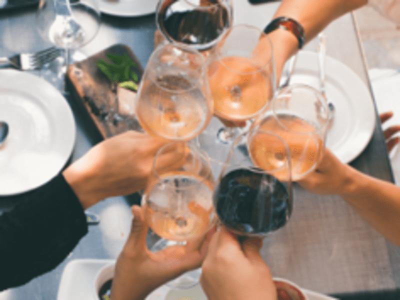 日曜の午後を楽しむ ワイン片手に ほろ酔いお料理教室の画像